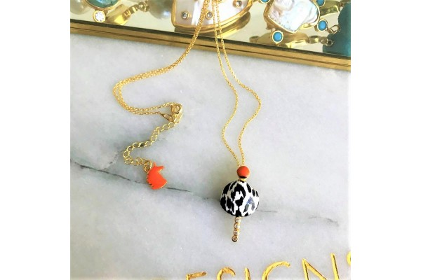 White Leopard Scallop Verti Necklace - Coral