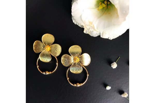 BEAUTY EARRING WITH CIRCULAR RING - GOLD PLATED