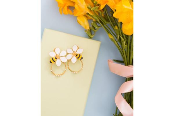 JOY EARRING WITH CIRCULAR RING - BEE & WHITE ENAMEL