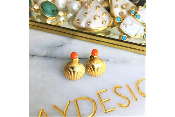 Scallop Coral Earring
