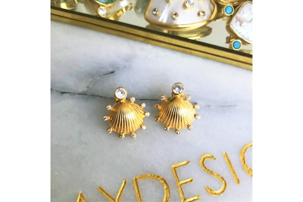 Scallop Multiple Zircon Earring