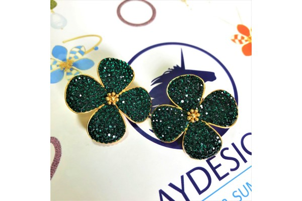 BEAUTY EARRING - EMERALD