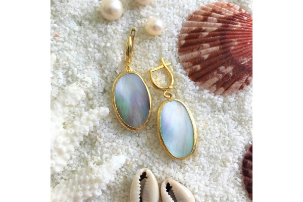 Mother Of Pearl Gold Earring
