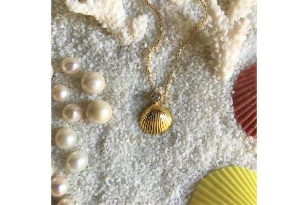 Scallop Zircon Necklace