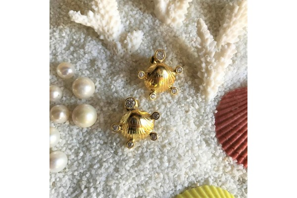 Scallop Five Zircon Earring