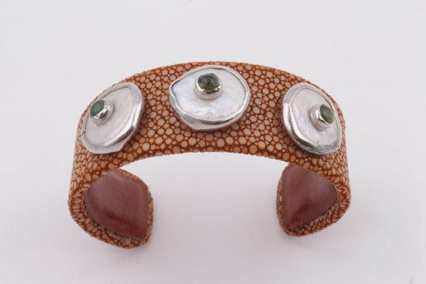 Cuff Bracelet with Brown Vatos Fish Leather, Pearl, Tourmaline and Silver