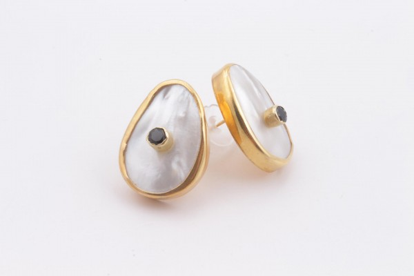 Earring with Mother Of Pearl, Onyx and Gold Plated Silver