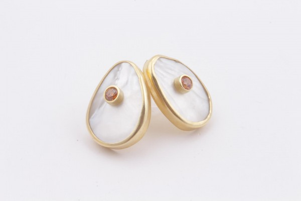 Earring with Mother Of Pearl, Champagne Color Zircone and Gold Plated Silver