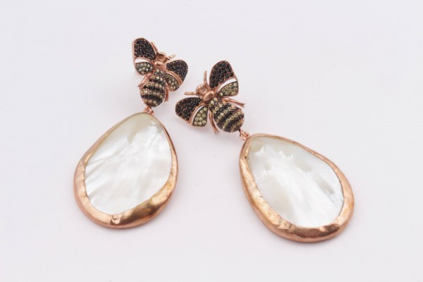 Bee Earring with Zirconed Rose Gold Plated Silver and Mother of Pearl