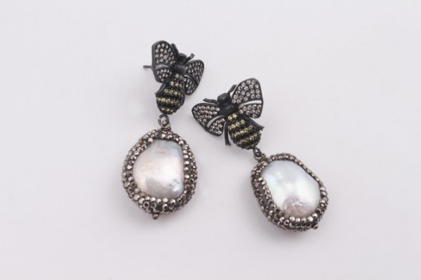 Bee Earring with Zirconed Oxyded Silver and Pearl
