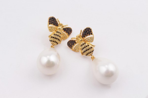 Bee Earring with Zirconed Gold Plated Silver and White Pear Majorica