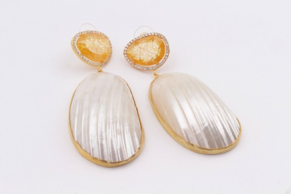 Earring with Yellow Zircone, Nacre and Gold Plated Silver